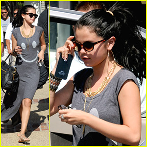 Selena Gomez: Memorial Day BBQ Bash