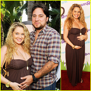 Tiffany Thornton Reveals Baby's Name & Gender!