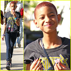 Willow Smith: New Plum Hair!
