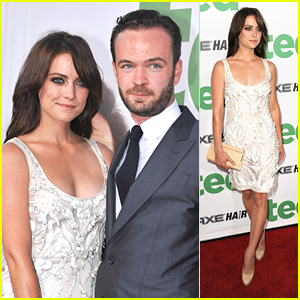 Jessica Stroup: Long Hair at 'Ted' Premiere!