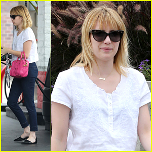 Emma Roberts: Pink Purse at the Pump