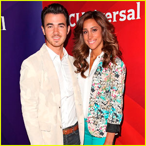Kevin Jonas: NBC Press Tour with Danielle!