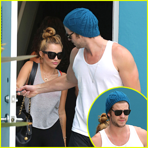Miley Cyrus &#038; Liam Hemsworth: Pilates Pair