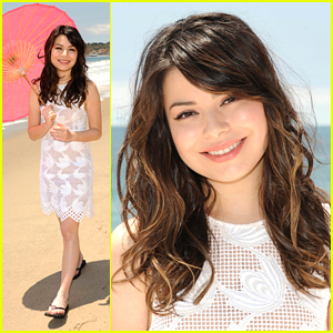 Miranda Cosgrove: Neutrogena Beach Beauty!