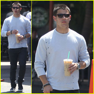 Nick Jonas: Starbucks Heartthrob