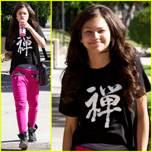 Zendaya: Pink Pants Pretty!