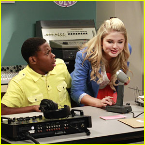 Stefanie Scott: New 'A.N.T. Farm' Tonight!