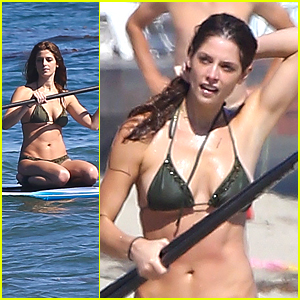 Ashley Greene: Sunday at the Beach!