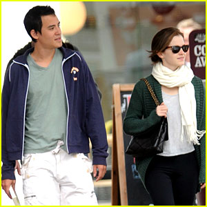 Emma Watson: London Walk with Will Adamowicz