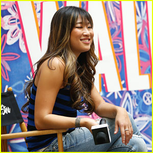 Jenna Ushkowitz: Wallflower Jeans Fashion Show in Wisconsin