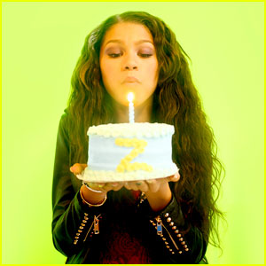 Zendaya: Early Birthday Celebration with JJJ!