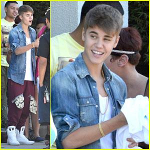 Justin Bieber Re-Tweets Lyrics to Carly Rae Jepsen Duet