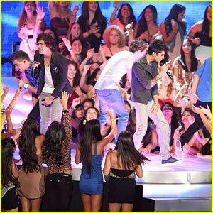 One Direction: MTV VMAs Performance 2012 - Watch Now!