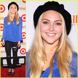 AnnaSophia Robb is 'Falling For You'