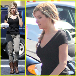 Ashley Tisdale: Katniss Everdeen For 'Scary Movie 5'