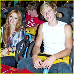 Bella Thorne: Knott's Scary Farm with Tristan Klier!