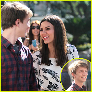 Victoria Justice & Thomas Mann: Extra 'Fun Size'd!