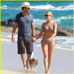 Julianne Hough & Ryan Seacrest: Sandy Stroll in Cabo San Lucas