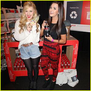 Megan and Liz: AMAs 2012 Red Carpet Correspondents!
