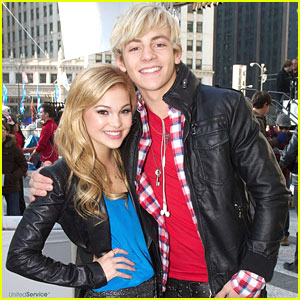 Ross Lynch & Olivia Holt: The Magnificent Mile Light Festival in Chicago!