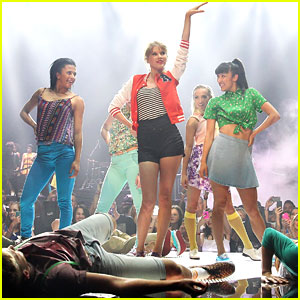 Taylor Swift: 'I Knew You Were Trouble' at the Aria Awards 2012