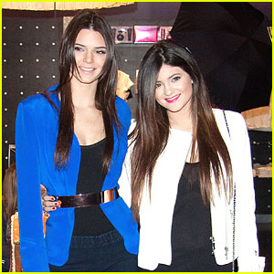 Kendall &#038; Kylie Jenner Cause 'Khaos' In Vegas
