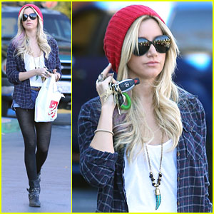 Ashley Tisdale: Rite Aid Stop Before Road Trip