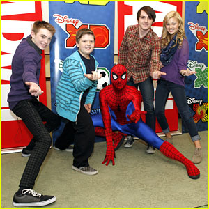 Drake Bell & Olivia Holt: Read With Marvel Event