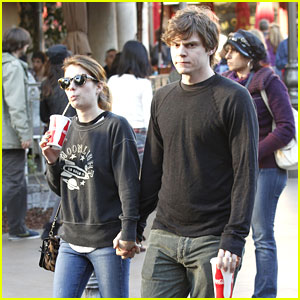 Emma Roberts &#038; Evan Peters: Coca-Cola Couple