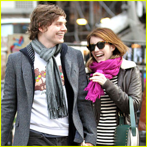 Emma Roberts: MoMA Visit with Evan Peters
