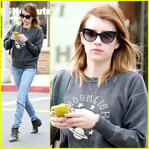 Emma Roberts: Nail Salon Stop