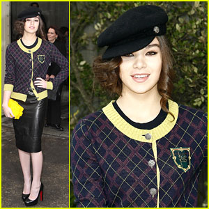 Hailee Steinfeld: Chanel Show at Paris Fashion Week