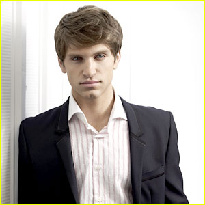 Keegan Allen Talks Toby's Betrayal on 'Pretty Little Liars'