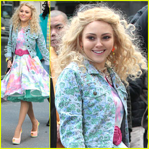 AnnaSophia Robb: Jean Jacket on 'Carrie Diaries' Set