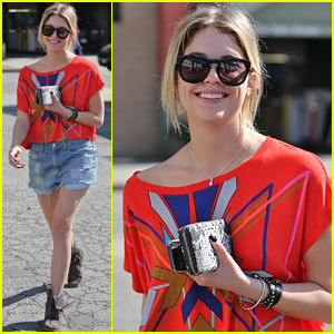 Ashley Benson: Hugo's Breakfast Stop