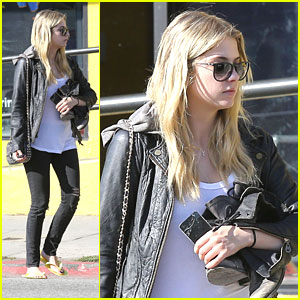 Ashley Benson: Valentine's Day Pedicure