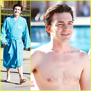 Drake Bell: Shirtless for 'Splash' Diving Practice