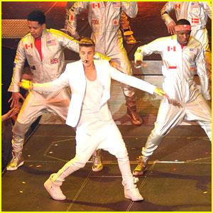 Justin Bieber: Dublin Concert Pics!