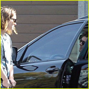 Leighton Meester: Dating Adam Brody?