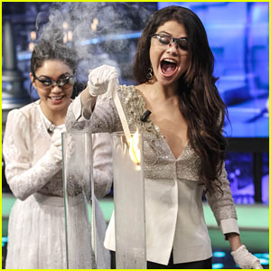 Vanessa Hudgens & Selena Gomez: 'El Hormiguero' Hotties