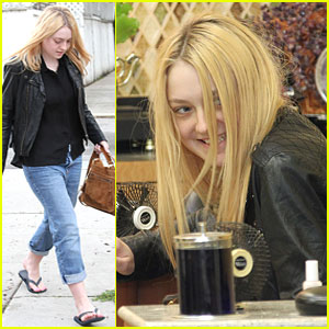 Dakota Fanning: Pedicure Pretty