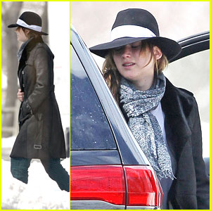 Jennifer Lawrence: Bundled in Burberry