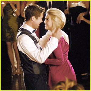 Chelsea Kane & Sara Paxton: New 'Lovestruck: The Musical' Stills!