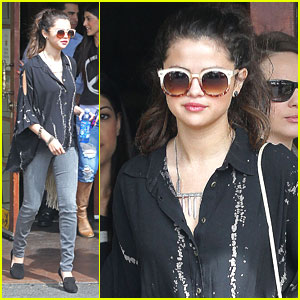 Selena Gomez: Coral Tree Cafe Lunch