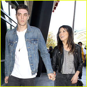 Shenae Grimes: Lakers Game with Jessica Lowndes &#038; Josh Beech