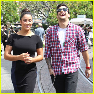 Aly Raisman & Mark Ballas: Extra, Extra!