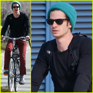 Andrew Garfield: NYC Bike Ride