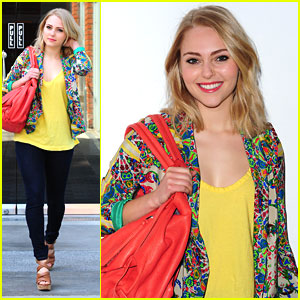 AnnaSophia Robb: 'I Love Carrie's Curly Hair'