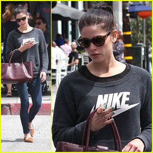 Ashley Greene: Lunch at Toast