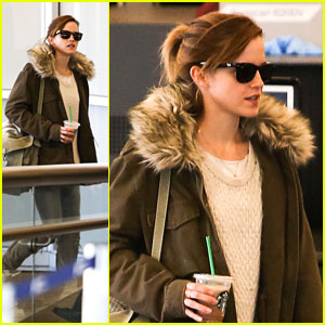 Emma Watson: LAX Arrival Before MTV Movie Awards